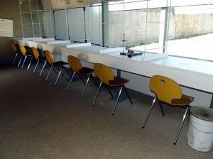 Chaises et tables C